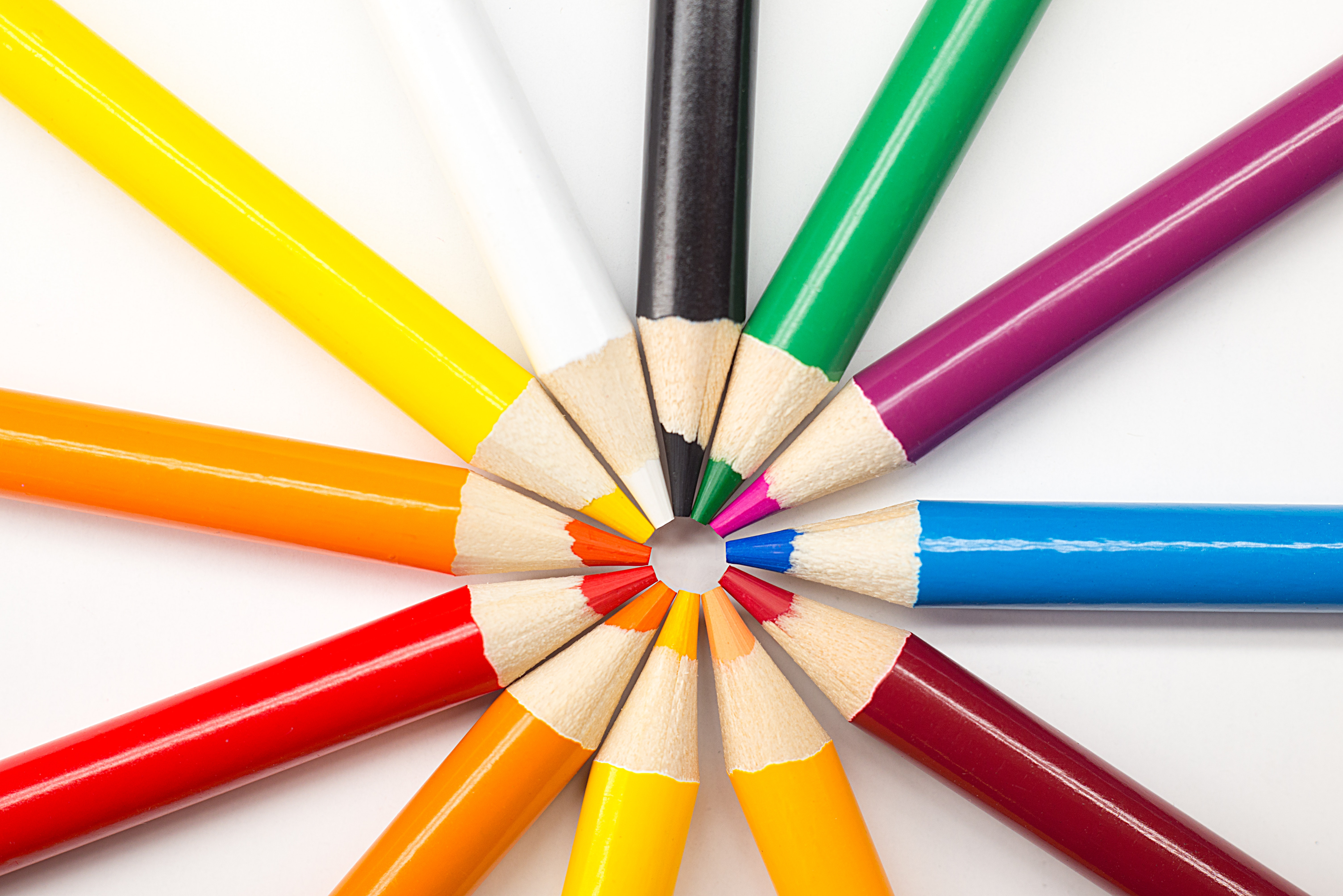assorted-colored-pencils-967382